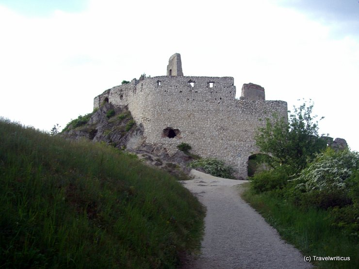 Frontview of Čachtice Castle, Slovakia
