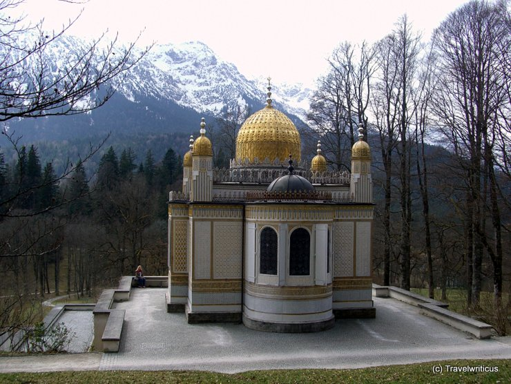 Moorish kiosk in front of the Alps