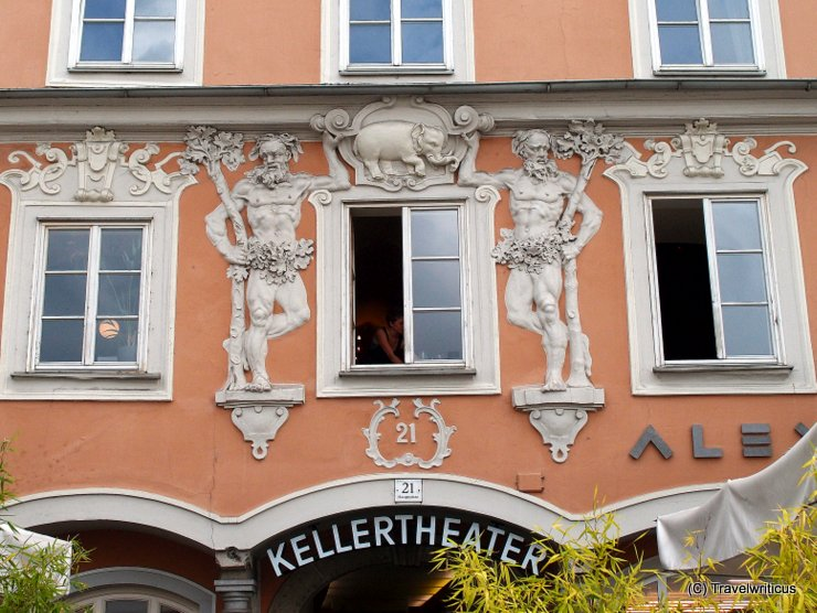 Facade with an elephant in Linz