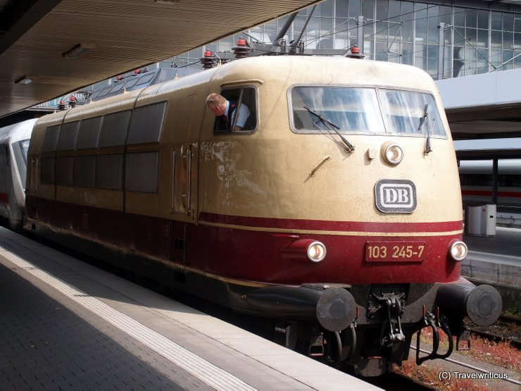 Locomotive DB 103-245-7 in front of an IC in Munich