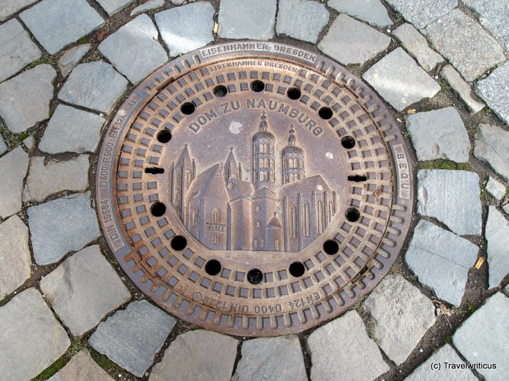 Manhole cover displaying the cathedral of Naumburg (Saale), Germany