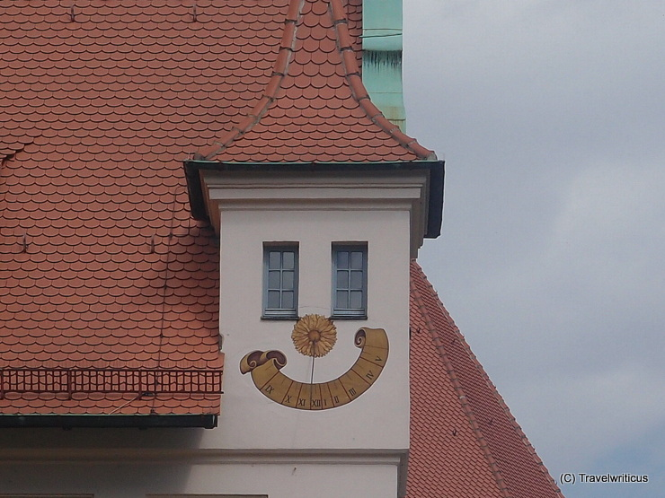This sundial in Nuremberg made me smile. Can you see the face? :)