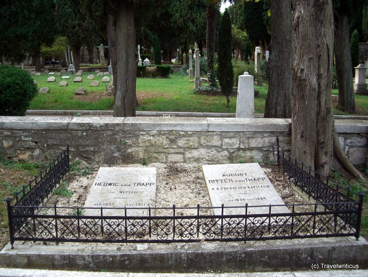 Grave of Hedwig and August Trapp in Pula, Croatia