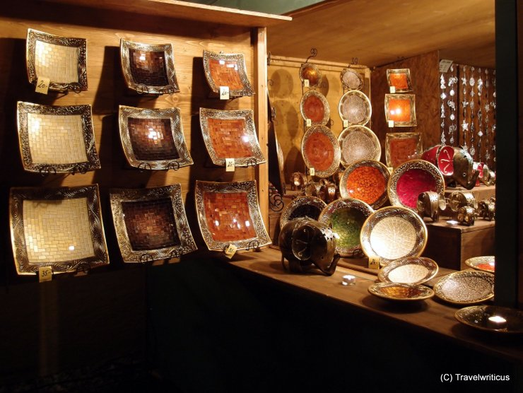 Shop with plates at the Hellbrunner Adventzauber in Salzburg, Austria