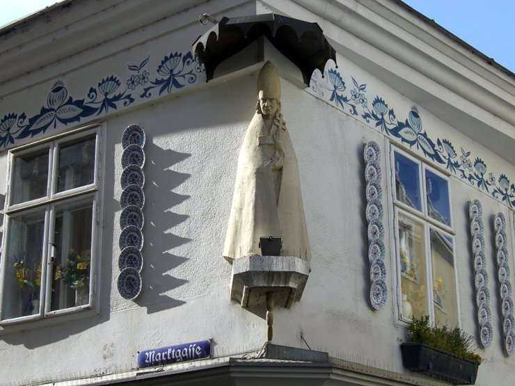 View of the saint at the Zwiebelmusterhaus