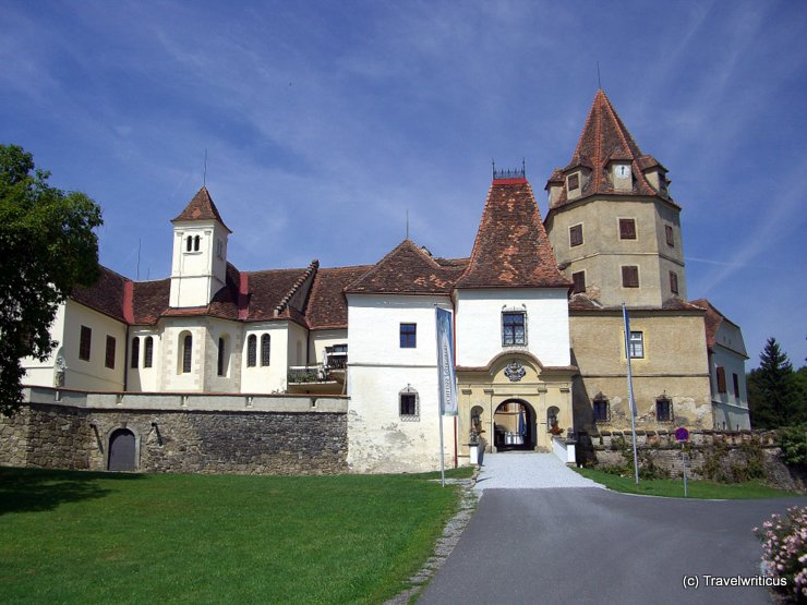 Front view of Schloss Kornberg