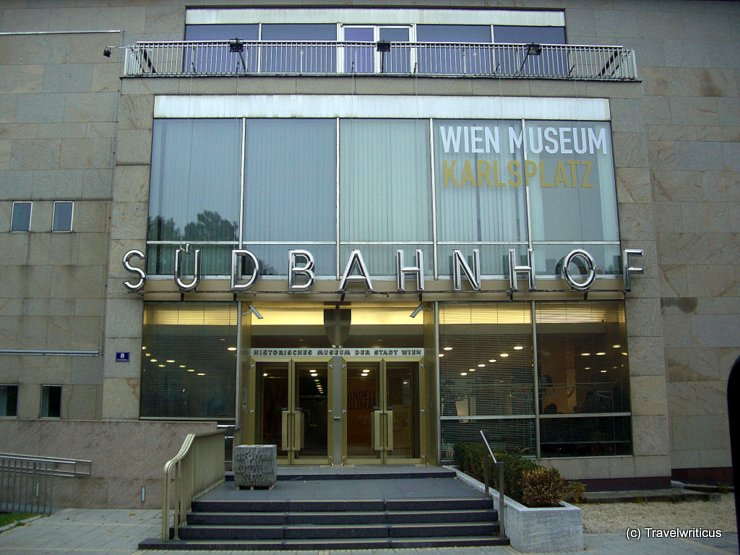 The use of the old letters 'Südbahnhof'