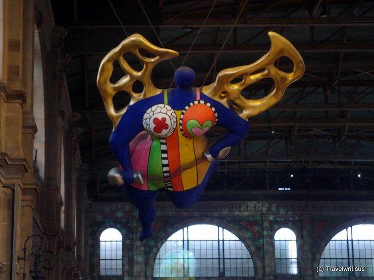 Sculpture L'Ange Protecteur in Zurich, Switzerland